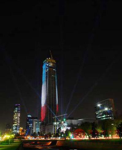 辉鸿灯光APOLLO为南美最高大厦保驾护航