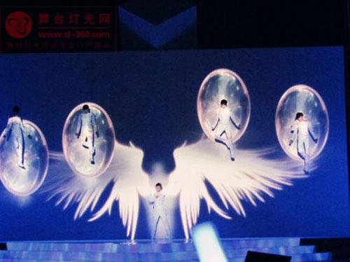 偶像男团HIT-5<a href=http://www.szzs360.com/qxty/ target=_blank><a href=http://www.szzs360.com/qxty/ target=_blank>全息投影</a></a>视觉演出 气场不凡