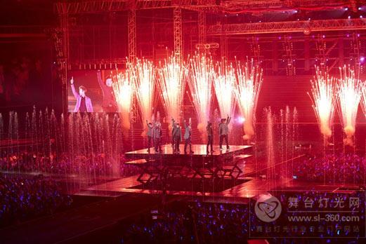 super junior巡演舞台大超越 6米高喷泉成亮点