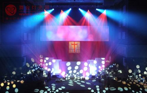 马田灯光及M1 控台助古老教堂散发现代气息