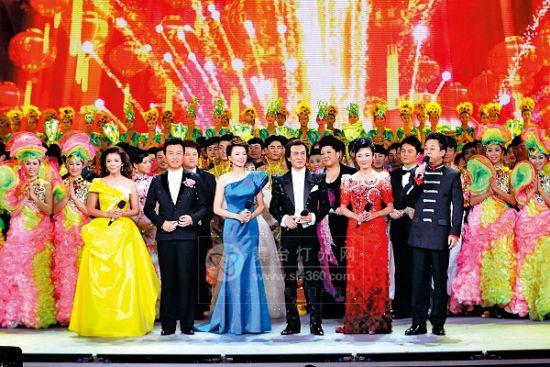 珠江灯光亮相央视兔年春晚 舞台灯光技术有创新