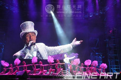"""彩熠伴随""""歌神""""唱响泰州 <br>――张学友""""1/2世纪巡回演唱会""""泰州站"""