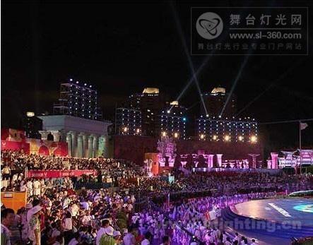 """大运会昨晚闭幕 舞台灯光LED唱""""主角"""""""