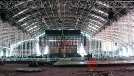 王菲大连演唱会即将开唱 舞台设计玩悬空